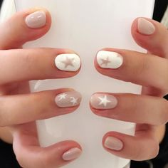 Cute Nail Art Designs Ideas for Stylish Girls - Page 12 of 20 - Fashion - Nails - Star Nail Designs, Cute Nail Art Designs, Nude Nails, Gel Nails, Nail Polish, Manicure For Short Nails, White Manicure, Essie, Neutral Nail Art