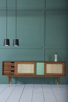 A discreet sideboard in modern and scandinavian style to keep your belongings close and design your place Sideboard Furniture, Furniture Showroom, Funky Furniture, Living Furniture, Furniture Design, Interior Lighting, Interior Styling, Interior Decorating, Interior Design