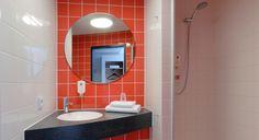 Badezimmer im B&B Hotel Hamburg-Harburg