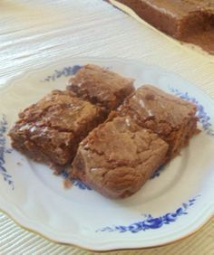 Since I saw this recipe on a foreign site, maybe months ago, I always wanted to try it one day. Tahini brownie Orthodox Americans favorite … - new site Tahini, Cheesecake Brownie, Pasta Cake, Cake Recipes, Dessert Recipes, Egg Cake, Recipe Mix, Pudding Cake, Pudding Desserts