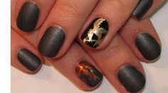 Hunger Games-inspired Manicures. THAT is commitment to the program.