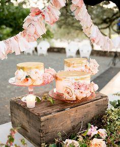 gold brushed cakes | Larissa Cleveland Photography | Blog.theknot.com
