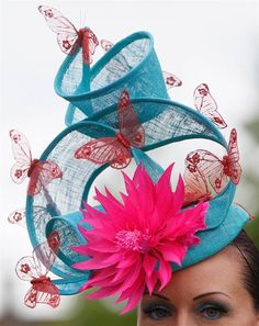 Spectators Show Off Elaborate Hats At Royal Ascot, 2011 | Amusing ...