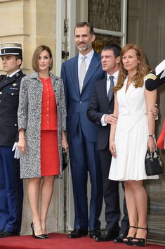 French Prime Minister Manuel Valls and wife Anne Gravoin greet Queen Letizia of Spain and King Felipe of Spain in the courtyard of the Hotel Matignon on June 3, 2015 in Paris, France.