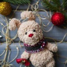 Плюшевый зайка со звонкими колокольчиками! Цена 600 руб + почта Sale.  Price 10 $ + shipping #зайчик #заяц #зайка #игрушка #детям #амигуруми #amigurumi #вязание #knitting #белый #шапка #шарф #игрушка #toy #toys #gift #подарок #handmade #ручнаяработа #рукоделие #hobby #хобби #новыйгод #праздник #рождество #christmas #newyear #bunny #rabbit #teddybunny #bell