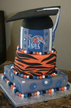 When my husband kicks colleges butt I'm getting him this cake made!!!!!!!