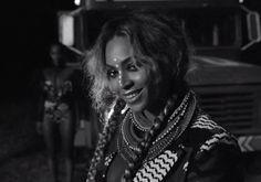 Le mois d'avril est décidément celui de Beyoncé. Après avoir fait la couverture du ELLE (France, Grande-Bretagne et Etats-Unis) et après avoir lancé sa ...