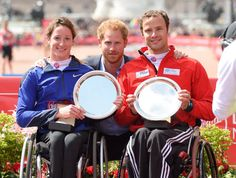 Pin for Later: Prince Harry's Handsome Appearance at the London Marathon Will Make You Want to Run 26.2 Miles