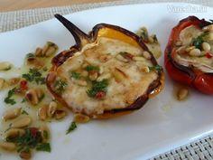 Papriky s rozpečeným kozím syrom a dresingom s píniovými orieškami (fotorecept) - Recept
