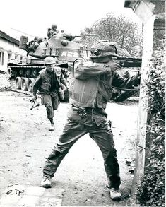 Things that go ' BOOM ' Sniper taking deadly aim during the Tet Offensive Battle for Hue 1968 Vietnam History, Vietnam War Photos, Good Morning Vietnam, M48, Military Pictures, Military Love, War Photography, Vietnam Veterans, American History
