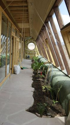 File:Inside greenhouse of Global model Earthship. Earthship Biotecture, Earthship Home, Earth Sheltered Homes, Natural Homes, Earth Homes, Natural Building, Sustainable Architecture, Residential Architecture, Contemporary Architecture