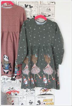 einfache Raglan-Kleider nach einem Schnittmuster aus der Ottobre und aus Bordüren Jersey vom Holland-Stoffmarkt genäht...das sind Basics, die ich für Kinder total mag.