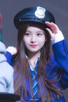Kpop Girl Groups, Kpop Girls, Nayeon, Baby Pomeranian, Dragon Family, Cute Korean Girl, Girl Attitude, Yuehua Entertainment, Forever