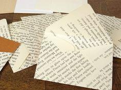 Diese niedlichen kleinen Umschläge wurden von mir handgefertigt und enthalten wenig braun Ton-Grußkarten. Sie sind zu klein, um per Post, aber immer noch perfekt zu senden:    -für kleine Zettel in deiner Liebe Mittagessen  -für Geschenkanhänger  -innerhalb eines Pakets  -kleine Erinnerungen aufzeichnen  -für die Journalerstellung    Enthält 10 Umschläge und Notizen.    Die Notiz-Karte und Umschlag Messen etwa 2 1/4 x 3     Kontaktieren Sie mich für individuelle Mengen.    Ich trage auch...
