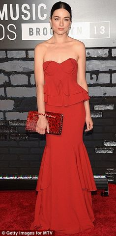 Crystal Reed in Zac Zac Posen | 2013 MTV #VMAs #fashion #redcarpet #style