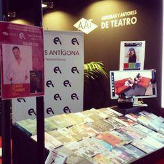Y aquí estamos también, con Ediciones Antígona apoyando a los autores de teatro español contemporáneo en el XVIII Salón Internacional del Libro Teatral, celebrado en el Centro Dramático Nacional (Teatro Valle-Inclán). Porque #ElTeatroTambiénSeLEE