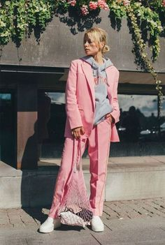 timeless design 672ba a5ecf How to Wear a Pink Suit Like a Hipster