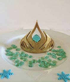 "Sara Elizabeth - Custom Cakes & Gourmet Sweets: Elsa's Crown from Disney's ""Frozen"" - A Template and Mini Tutorial"