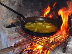 Aktiver Tag auf Kreta Crete Greece, Christmas Cooking, Greece Holidays, Grilling, Outdoor Decor, Activities, Winter, Wine Tasting, Crete
