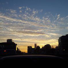 Atardeceres que hablan por si solos. Santiago en la puesta de sol. Sanhattan