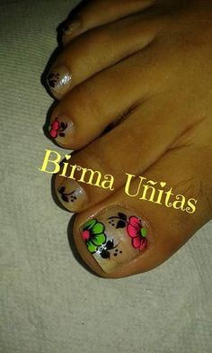 Toe Designs, Nail Art Designs, Gorgeous Nails, Love Nails, Toe Nail Art, Manicure And Pedicure, Nail Colors, Lily, Triangles
