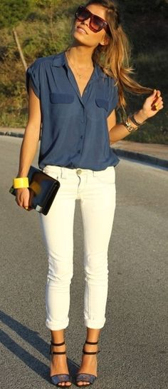 Skinny jeans and blouse.