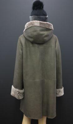 Dámský luxusní kožešinový kabát ze španělské ovčiny s kapucí - šedá/šedohnědá Hoodies, Sweaters, Fashion, Moda, Sweatshirts, Fashion Styles, Fasion, Sweater, Hoodie