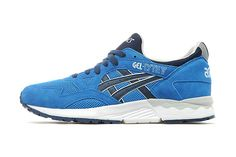 """ASICS GEL-Lyte V """"Red Reptile"""": A late arrival to the all-red-everything party. Me Too Shoes, Men's Shoes, Sports Footwear, Asics Gel Lyte, Jd Sports, Best Sneakers, Contemporary Fashion, Running Shoes For Men, Trainers"""