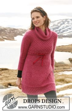 "DROPS 117-39 - DROPS kjole i ""Alpaca"" og ""Kid-Silk"" med 3/4-lange ermer og bikubemønster på bærestykket og i nederkant. Str XS til XXL - Free pattern by DROPS Design"