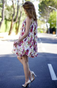 Fashion and Style Blog / Blog de Moda . Post: Oh My Looks Dress / Vestido Oh My Looks  . ( Pedidos / Orders : info@ohmylooks.com )  .More pictures on/ Más fotos en : http://www.ohmylooks.com .Llevo/I wear: Dress / Vestido : Oh My Looks ; Shoes / Zapatos : Rebeca Sanver ; Bag / Bolso : Folli Follie