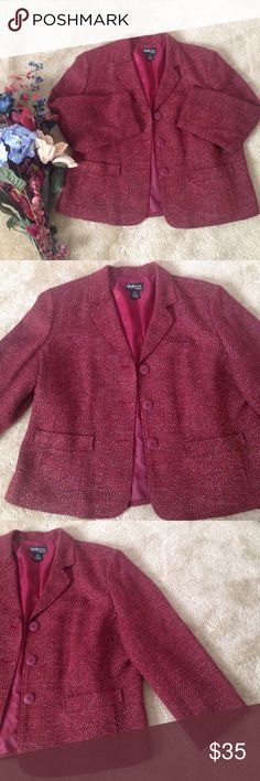Cranberry tweed wool blazer Vibrant cranberry red tweed and wool blazer by Style and Co. Adorable button up and front pockets. Lightly lined with thin shoulder pads for shape. Flattering back detail. A fall and winter essential! 75% acrylic, 20%wool,5% other fibers. Size 20W. Style & Co Jackets & Coats Blazers