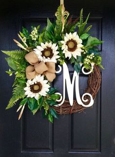 43 beautiful summer wreath ideas for the front door – Summer door wreaths - Decoration For Home Wreath Crafts, Diy Wreath, Diy Crafts, Wreath Ideas, Garland Ideas, Grapevine Wreath, Initial Wreath, Wreath Burlap, Diy Spring Wreath