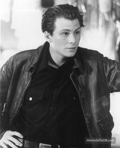 Kuffs publicity still of Christian Slater