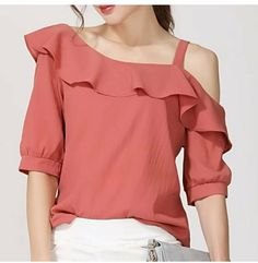 As one of the most popular women's clothing, the blouse will always develop every year. Proven to date only blouse models that can be used to complement the appearance style more and more. Normcore Fashion, Look Fashion, Trendy Fashion, Indian Fashion Dresses, Fashion Outfits, Western Dresses For Girl, Blouse Models, Blouse Designs, Chiffon Tops