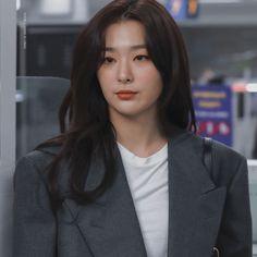 Read Prolog from the story Friendzone Kpop Girl Groups, Kpop Girls, Kang Seulgi, Red Velvet Seulgi, Krystal, Ulzzang Girl, Pretty Hairstyles, Hair And Nails, Red Roses