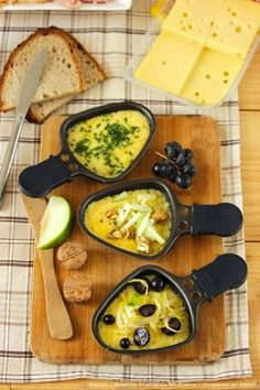 Discover recipes, home ideas, style inspiration and other ideas to try. Raclette Cheese, Raclette Party, Good Food, Yummy Food, Cheese Party, Cheese Recipes, Creative Food, Food And Drink, Gourmet