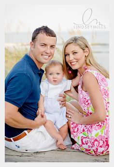 family of three photo poses | Family of 3 Pose Idea | Family photoshoot