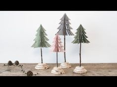 Learn how to fold DIY Christmas trees from paper.
