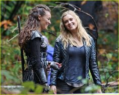 """The 100 CW - Eliza Taylor and Alycia Debnam-Carey, Clarke Griffin and Commander Lexa """"bonding"""" #The100"""