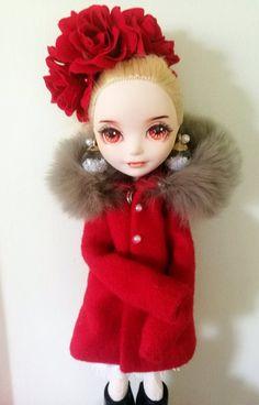 24 Ideas for doll house makeover diy monster high Monster High Repaint, Monster High Dolls, Custom Barbie, Pokemon Dolls, Monster High Characters, Disney Animator Doll, Barbie Doll House, Dress Up Dolls, Doll Repaint