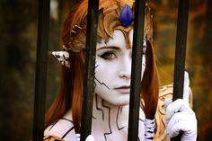Amazing possessed Zelda cosplay (twilight princess)