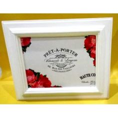 Frame Kayu Vintage A01016  Capture your favourite moment in this beautil frame.