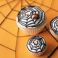 Ragni, scheletri, streghe: i cupcake in occasione della notte degli spiriti si trasformano