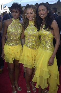 """""""Banana-colored tiered ruffled skirts are in this season. Michelle, you get the longest."""""""