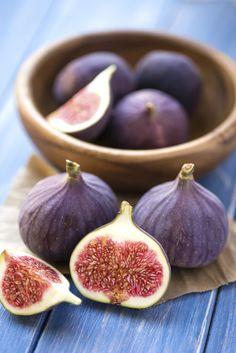 Un figuier dans le jardin: nos conseils Grape Nutrition, Diet And Nutrition, Nutrition Chart, Vitaminas B9, Gardening Tips, Organic Gardening, Still Life Fruit, Dried Figs, Green Grapes