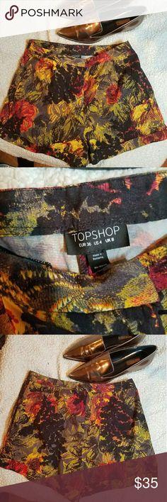 TOPSHOP floral print shorts - US 4 Gorgeous print shorts .. no signs of wear at all Topshop Shorts
