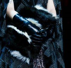 Tendenza pelliccia Autunno Inverno 2015-2016 - Clutch in pelliccia Marc Jacobs