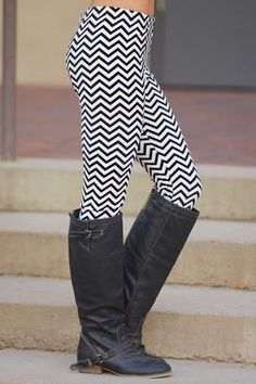 Chevron Leggings - Black / White