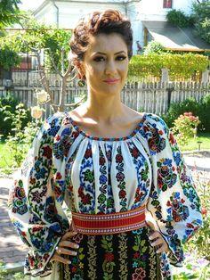 Folk Fashion, Ethnic Fashion, Womens Fashion, Ukrainian Dress, Ukraine Women, European Dress, Folk Costume, Embroidery Dress, Simple Dresses