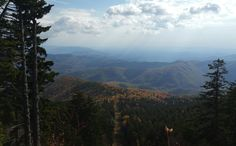 Pisgah National Forest as seen from Mt. Mitchell. Burnsville North Carolina [3400x2100] (OC)
